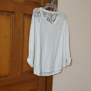 Pretty Large Sonoma laced back, shoulder top